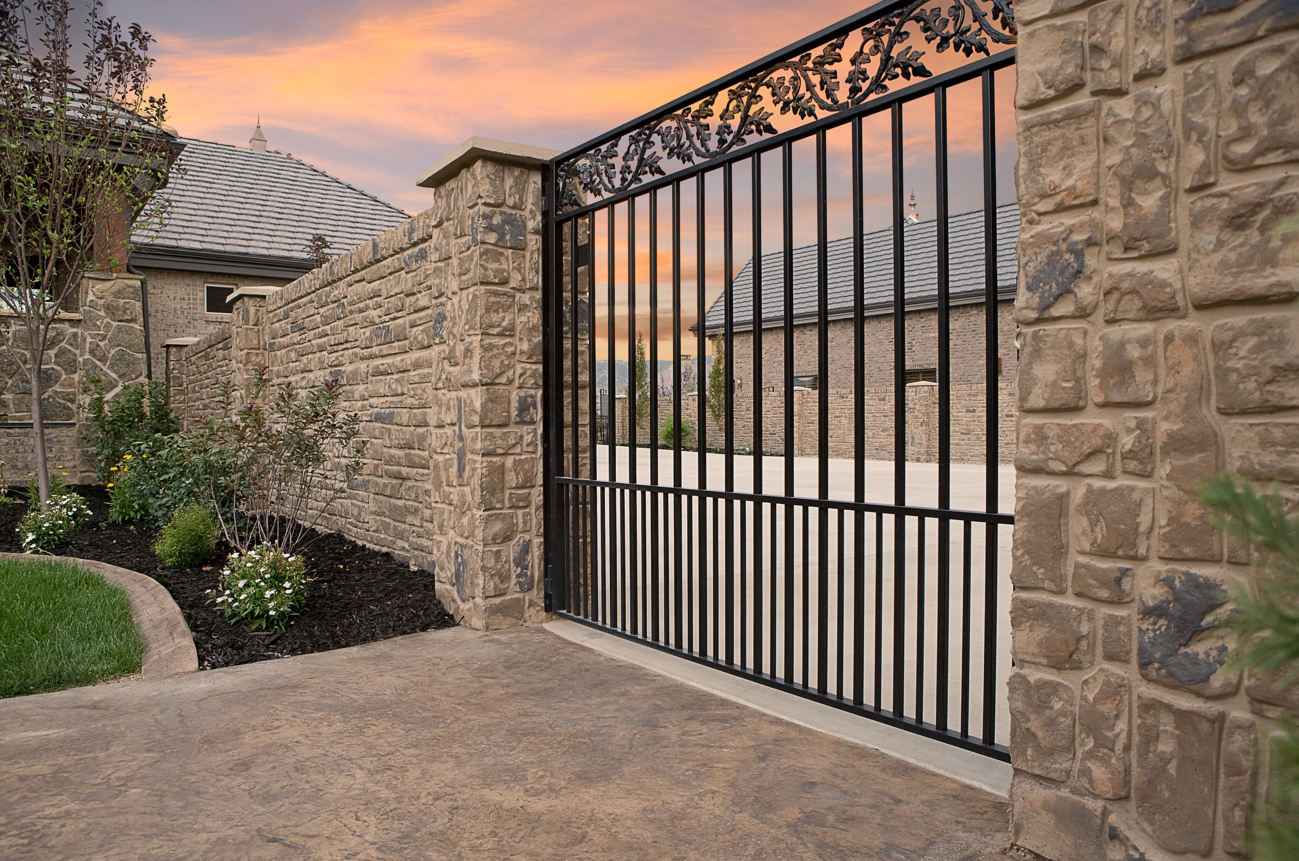 Verti Crete Is The Leader In Providing Beautiful Secure Concrete Fencing To Enhance Your Landscape Stone Exterior Houses Stone Entryway Precast Concrete