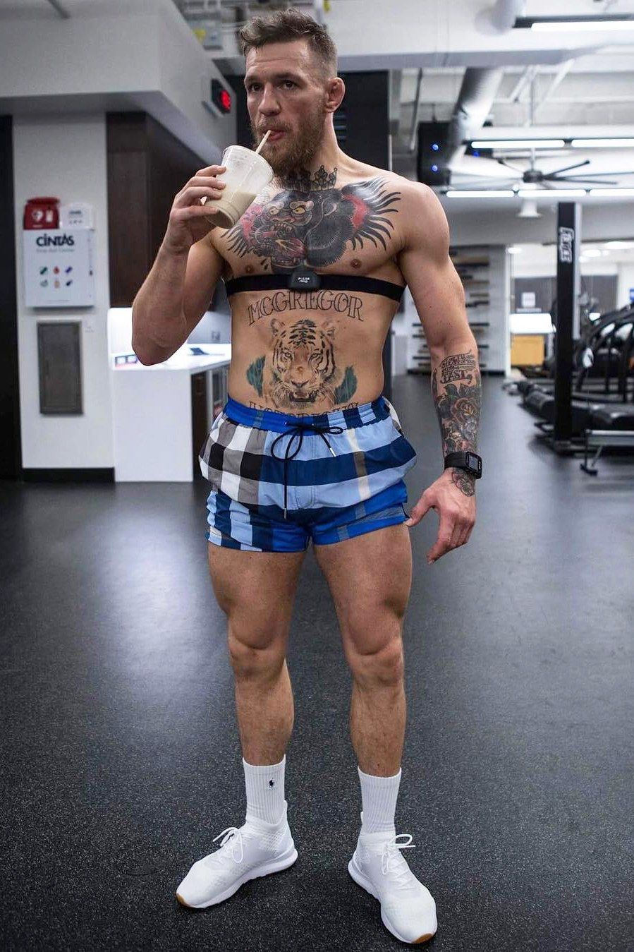 Conor Mcgregor S Boldest Loudest And Most Badass Fits Conor Mcgregor Style Conor Mcgregor Body Conor Mcgregor