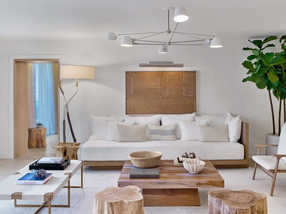 Modern Living Room In Miami Beach Fl By Meyer Davis Beach Hotel