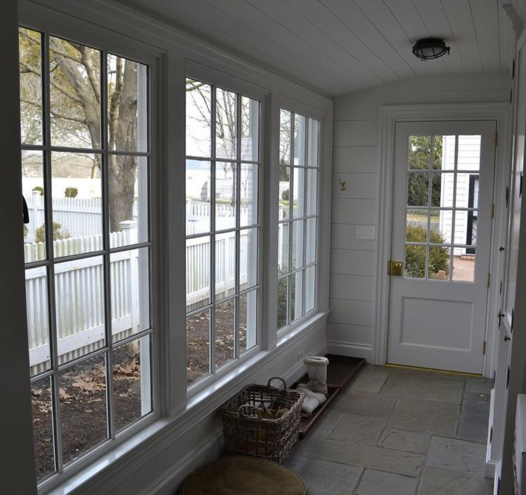 Screened Porch And Garage Oasis: Back Of Garage- The Doors Slide Open Onto The Terrace So