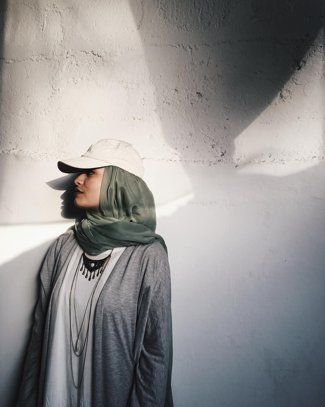 Outfit by noor unnahar modest style tumblr indie pale grunge hipsters mipsters aesthetics beige muslim fashion hijab instagram photography ideas