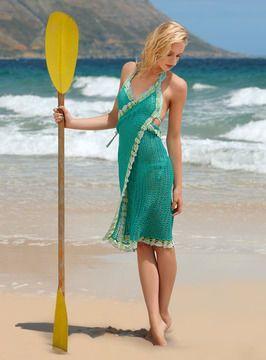Pareo? Wickelkleid? Beides! Ideal am Strand oder Pool - einmal um sich rumgewickelt zeigt das quergestrickte, luftige Ajourmaschen-Teil seine Vielseitigkeit.