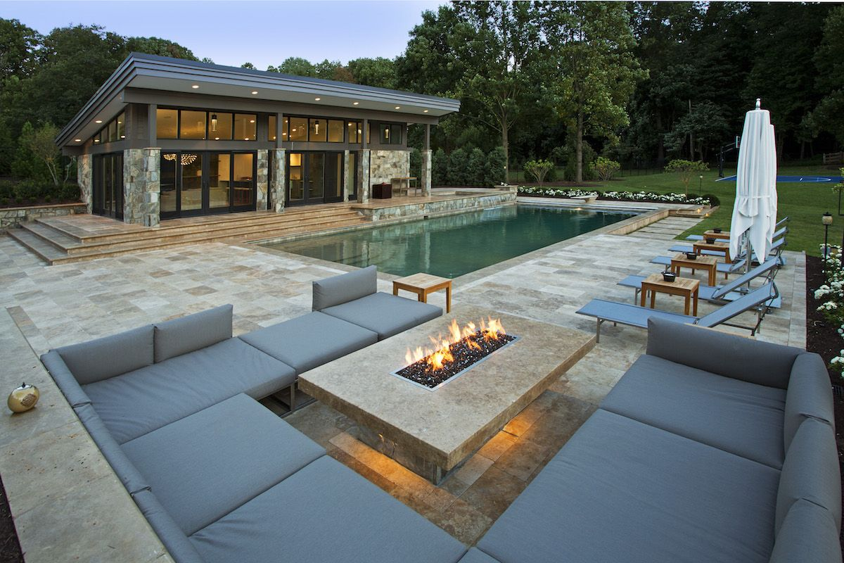 Modern fire pit outdoor lounge and pool house outdoor for Huzz house