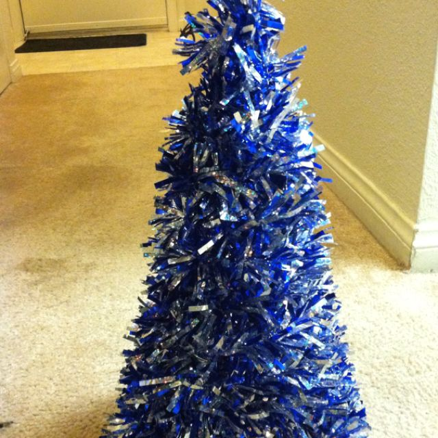 DIY wire hanger Christmas Trees! Undo the hangers & Cut