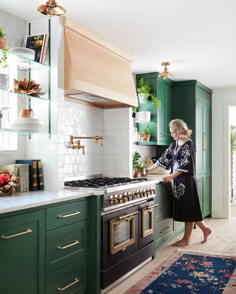 Green Kitchen See This Instagram Post By Amberinteriors Kitchen Cabinet Inspiration Green Kitchen Cabinets Home Kitchens