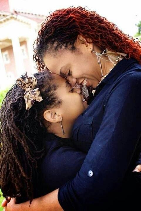 Mothers And Daughters With Natural Hair