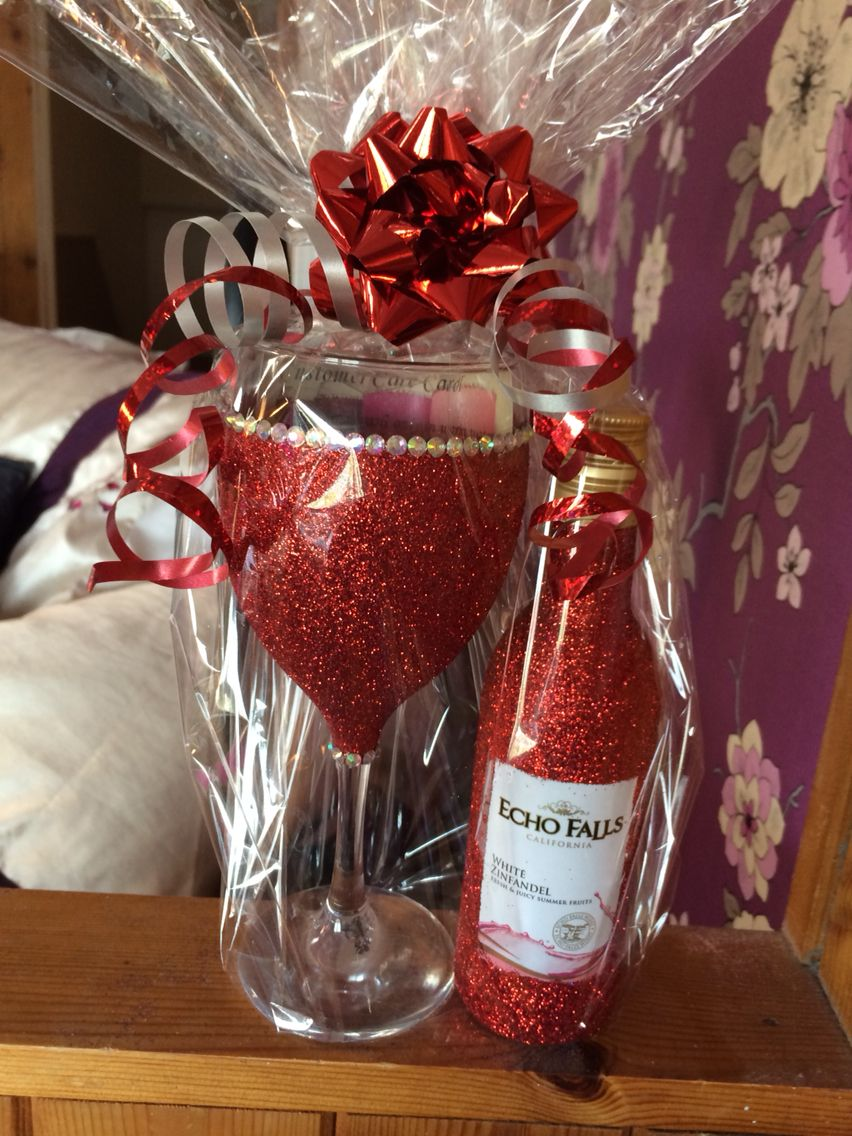 Glitter wine glass set. Perfect Christmas present in red
