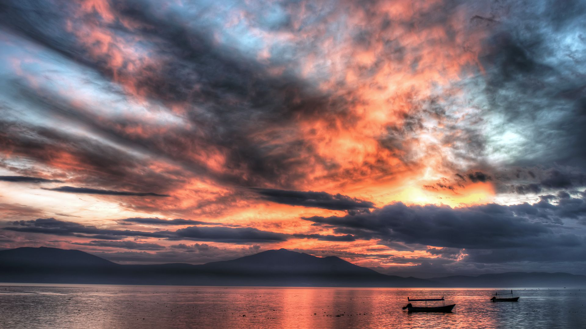 Lake Chapala, Jalisco, Mexico. [Desktop wallpaper