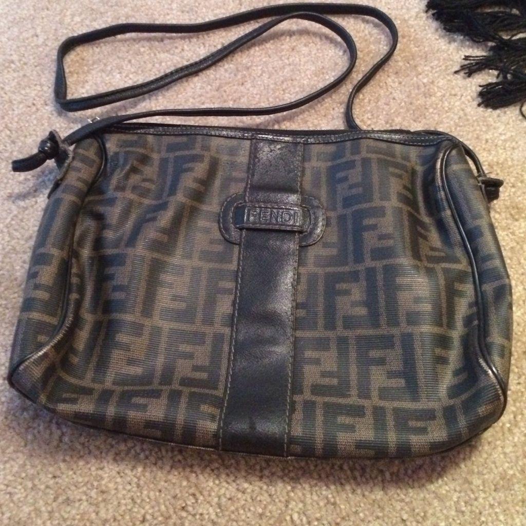 5e89e243a63d ... new zealand vintage fendi handbag flash sale 81824 533c5