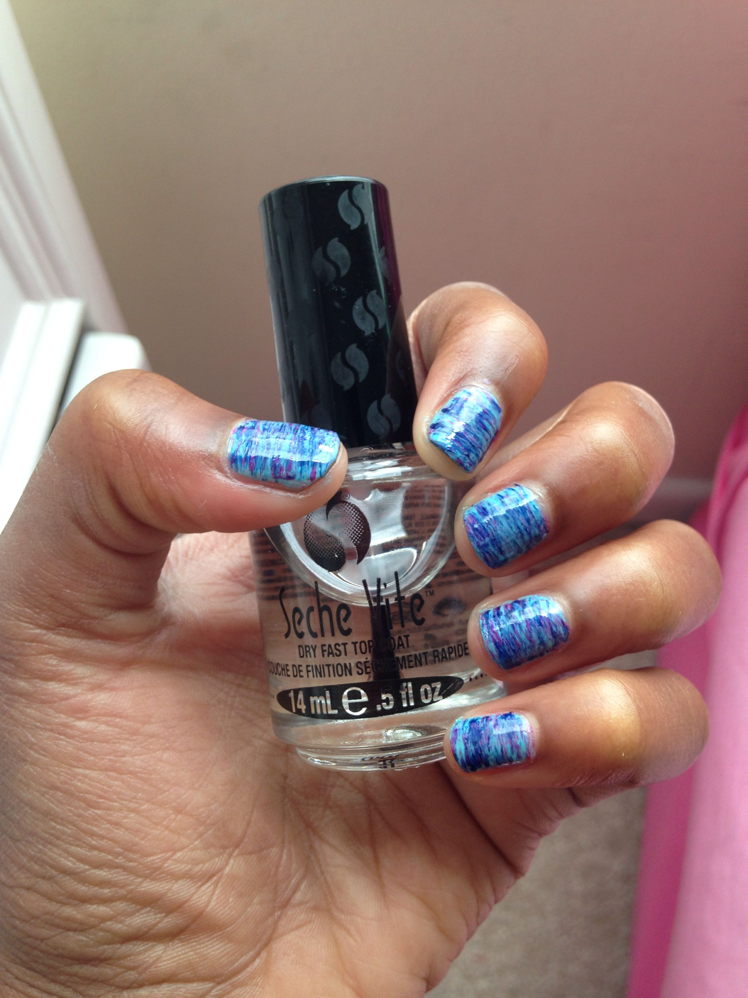 Loving My Seche Vite Dry Fast Top Coat Just A Simple Fan Brush Nail Art I Like The Finishing Look Fyi It Will Get P Gradient Nails Fan Brush Nails Nail