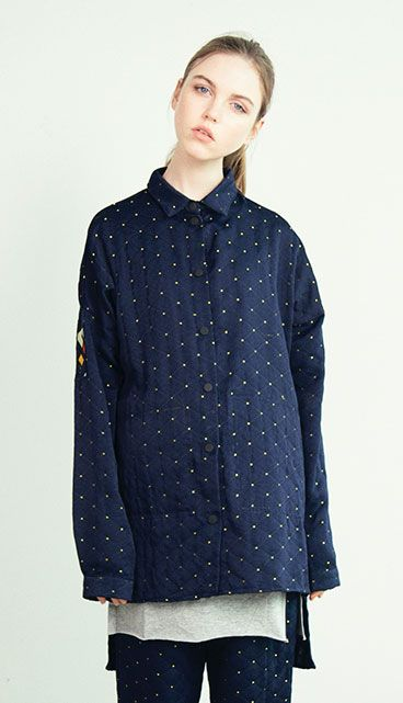 긴 기장감, 남녀누구나 매치해도 좋은 셔츠. 모델 173cm  / M size