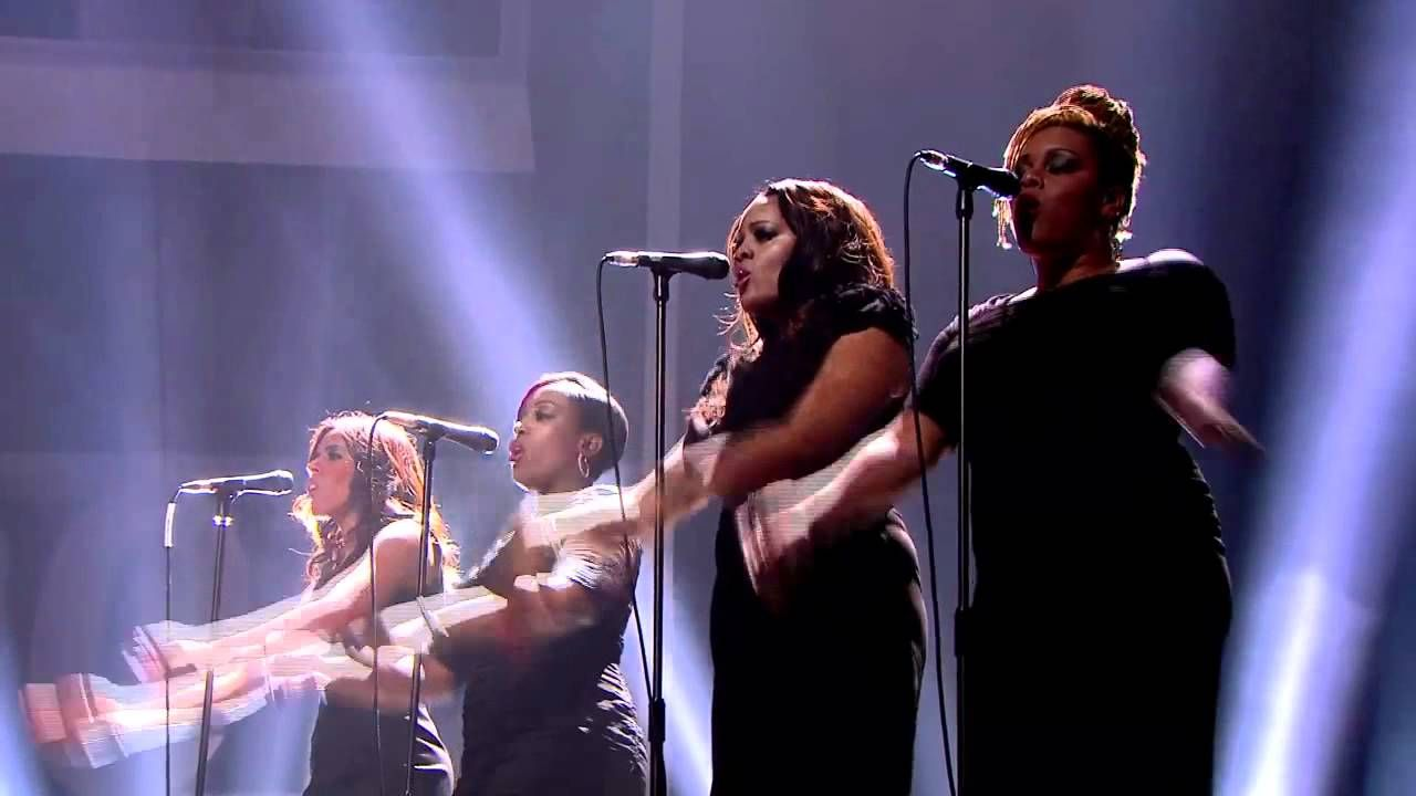 Adele Rolling In The Deep Live Brit Awards 2012 (HD)