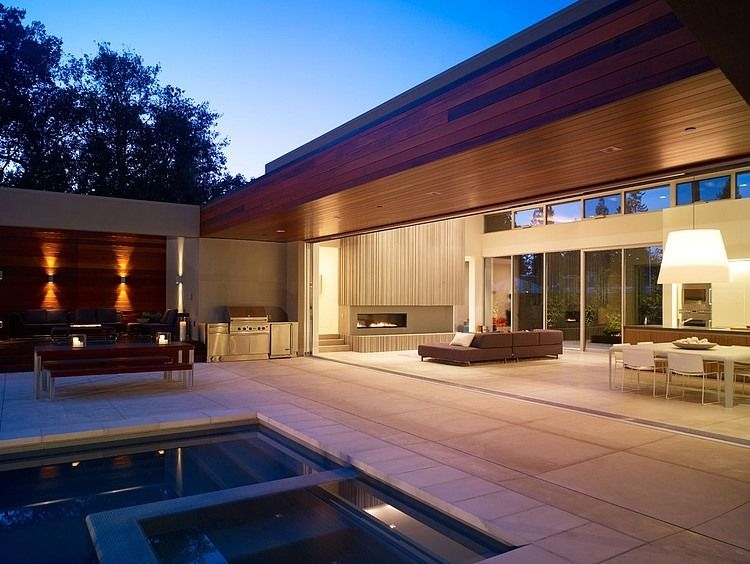 Modern U-Shaped California Home with Central Patio | Menlo park ...