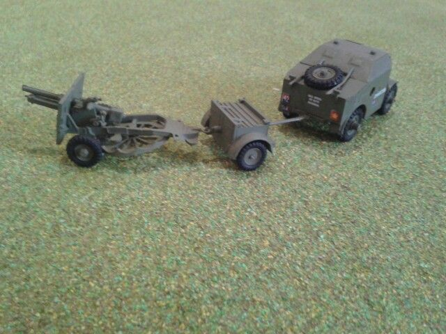 British 25pdr field gun limbered to ammo caisson and Morris Quad tractor (Airfix)