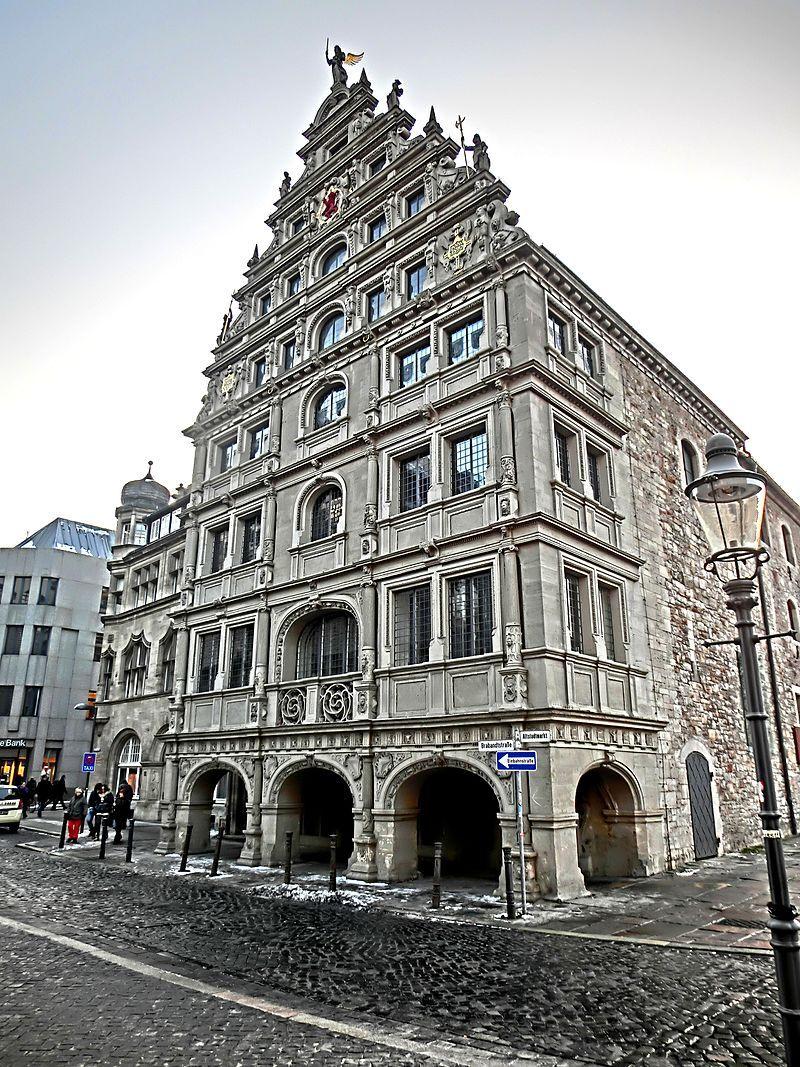 Pin von Не Беси auf Архитектура Braunschweig, Eintracht