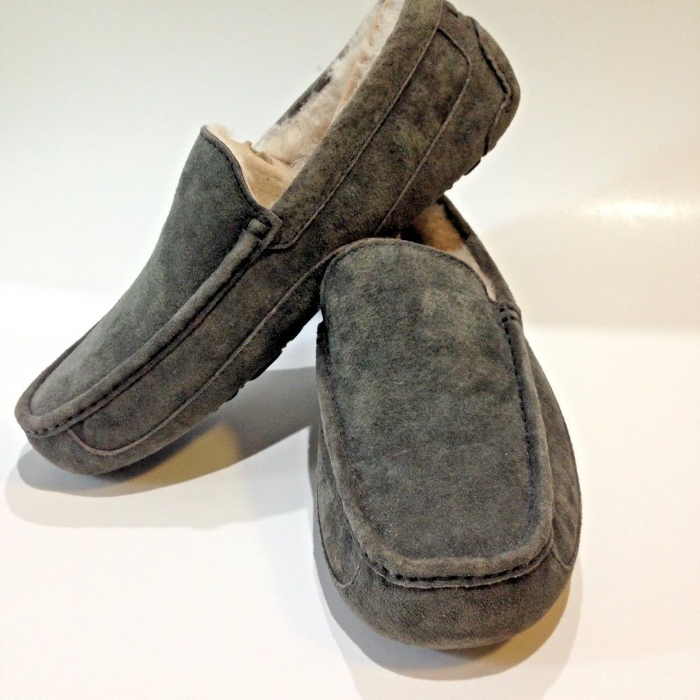 0b5ad6ef48a Authentic Ugg Australia Mens Slippers ASCOT Size 9 Charcoal NEW ...