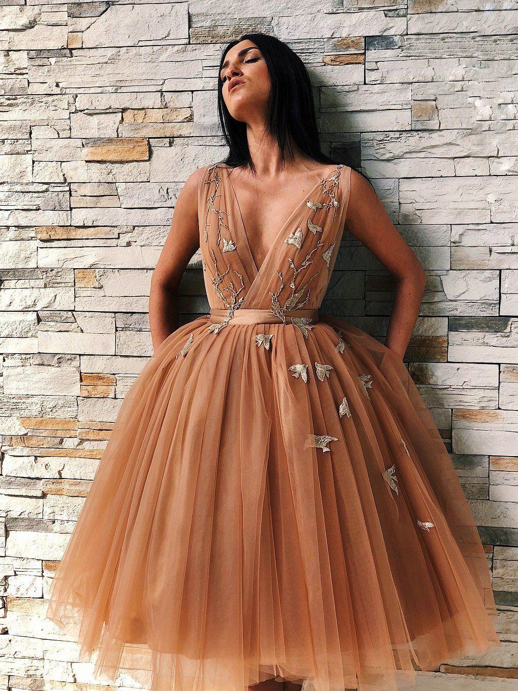 Chic a line short prom dress v neck knee length homecoming dresses