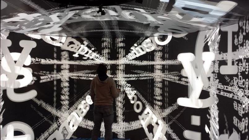 An awesome Virtual Reality pic! 사람의 몸 속 고대 전쟁터 등 미지의 영역 탐사가 이제 가능해졌습니다! 미국 브라운 대학교에서 개발한 가상 현실 구현 공간 유르트(YURT)! 유르트에서는 360도 디스플레이로 이미지를 구현 고해상 이미지가 벽면과 바닥 그리고 천장에 투사되어 가상 현실에 온전히 몰입될 수 있도록 합니다.  20 노드 클러스터(노드당 4개의 GPU)로 움직이는 약 69개의 프로젝터와 145개의 거울 1.3마일 길이의 비디오 케이블이 더해져 1억 화소라는 엄청난 화질을 구현하는 유르트에 방문에 보고 싶으시다면 좋아요를 눌러주세요!  #엔비디아 #NVIDIA #가상현실 #VR #VirtualReality #가상체험 #GPU #브라운대학교 #유르트 #YURT by nvidiakorea check us out: http://bit.ly/1KyLetq
