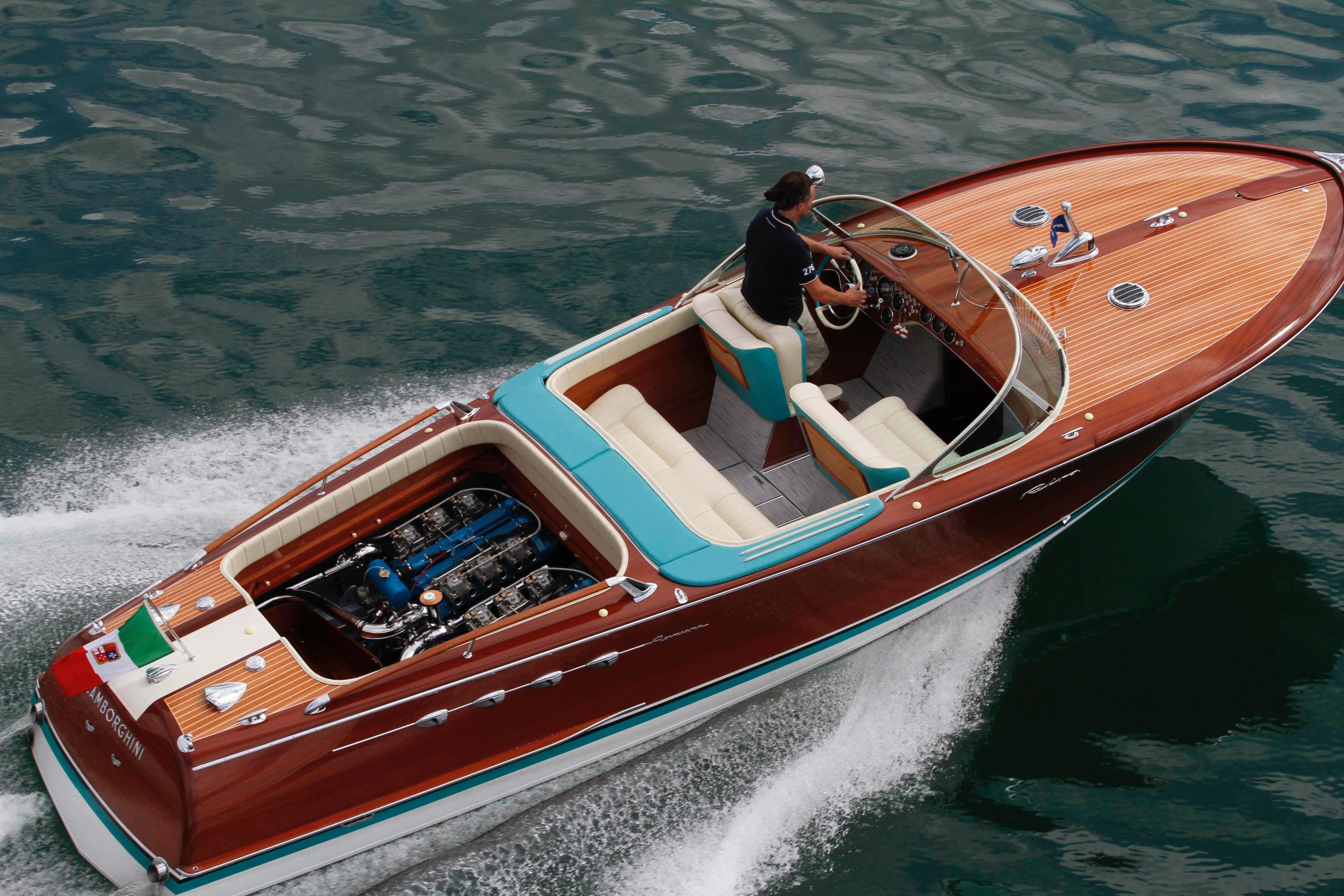 1968 Riva Aquarama Lamborghini Power Boat For Sale Www Yachtworld Com Runabout Boat Boat Mahogany Boat