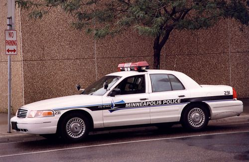 Minneapolis Police With Images Police Cars Police Victoria