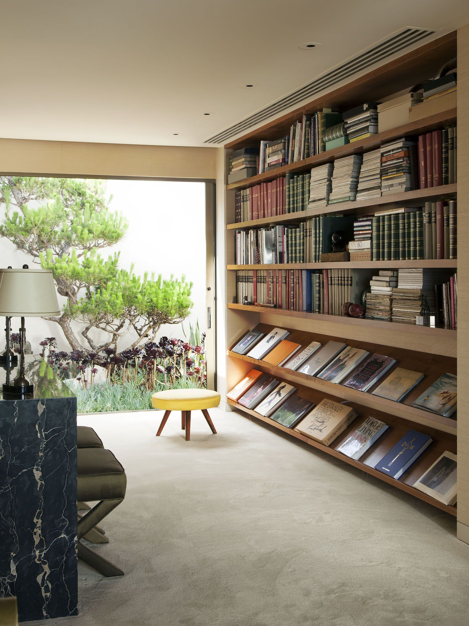 Shelf bookcases memorial wall displays antique white wall display - Steven Meisel Bookshelves Photo By Roger Davies From Architectural Digest