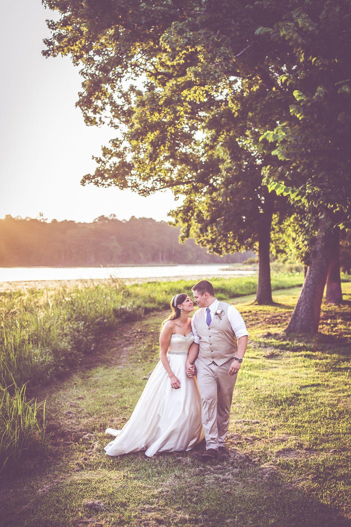 A Rustic Diy Wedding At Raven Lodge In Huntsville Texas Rustic Wedding Diy Park Weddings Diy Outdoor Weddings