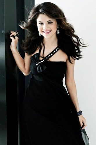 SELENA GOMEZ in black | Selena Gomez stunning in black dress ...