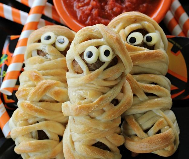 30 halloween appetizers recipes that are dreadfully inviting httphomemaderecipescom - Halloween Savory Recipes
