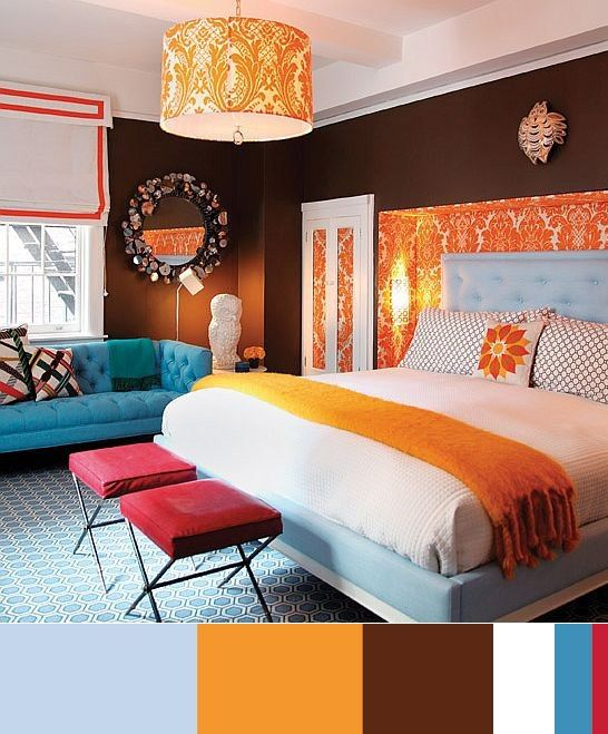 Colors: blue, orange, brown, white, crimson in the bedroom ...
