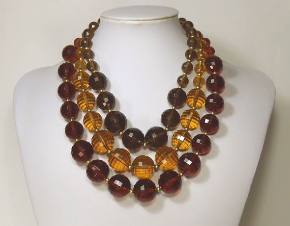 Vintage Chunky Faceted Acrylic Lucite Bead Necklace - 3 Colors,Graduated - FINE! #Unbranded #StrandStrings