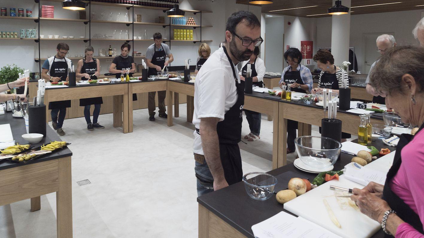 Kochschule architektur  baskischer Kochkurs der San Sebastian Food Kochschule in San ...