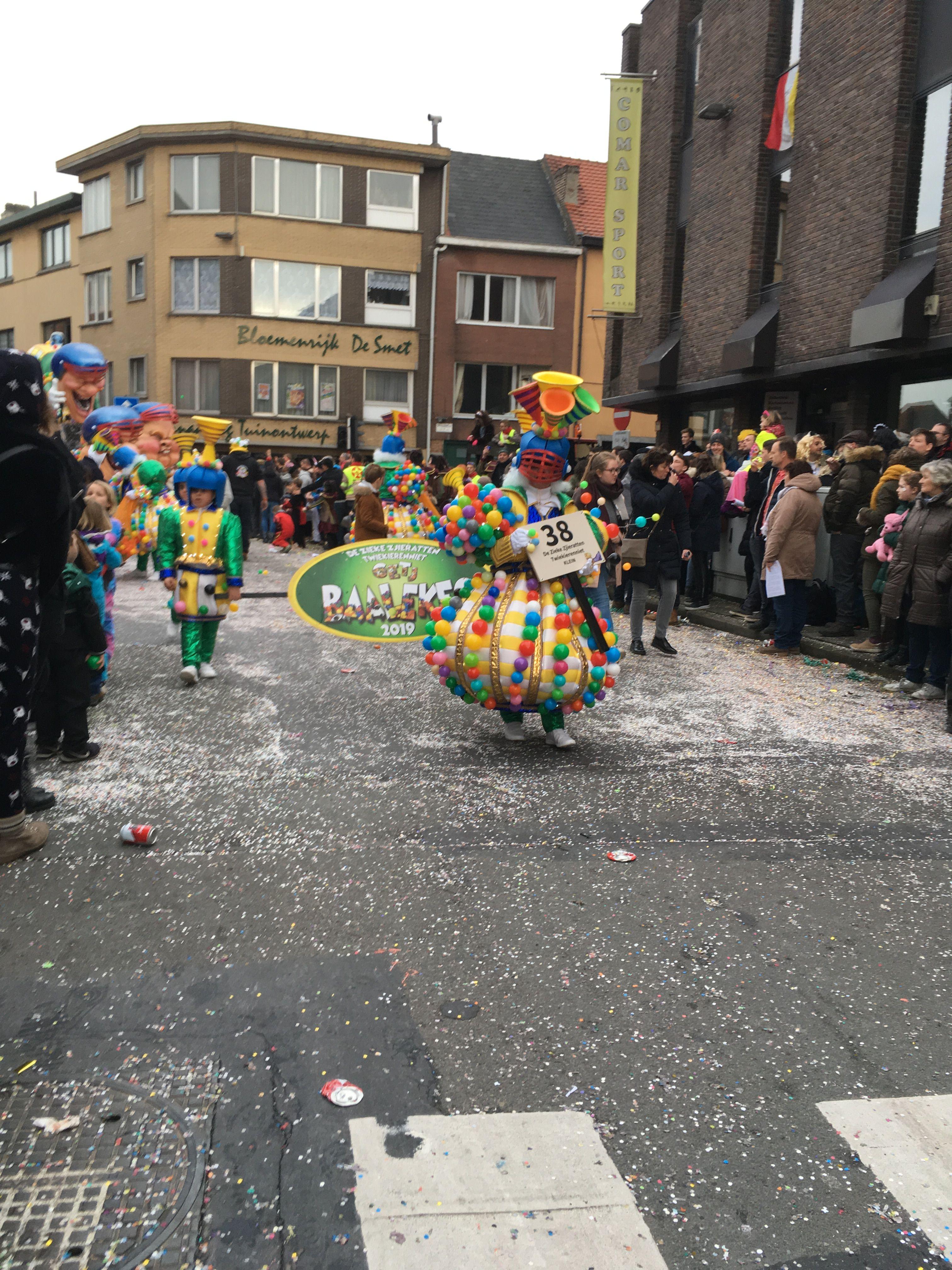 Pin Van Cynthia Van De Brempt Op Carnaval