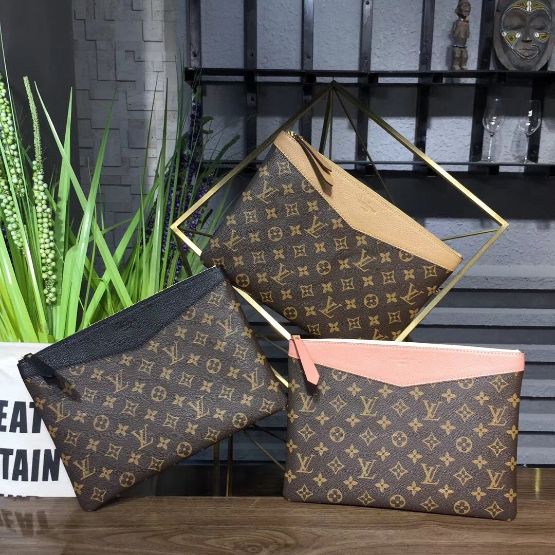 2f9092f4f5 Louis Vuitton Daily Pouch M64590 #louisvuitton #lv #lvbag #lvalmabb ...