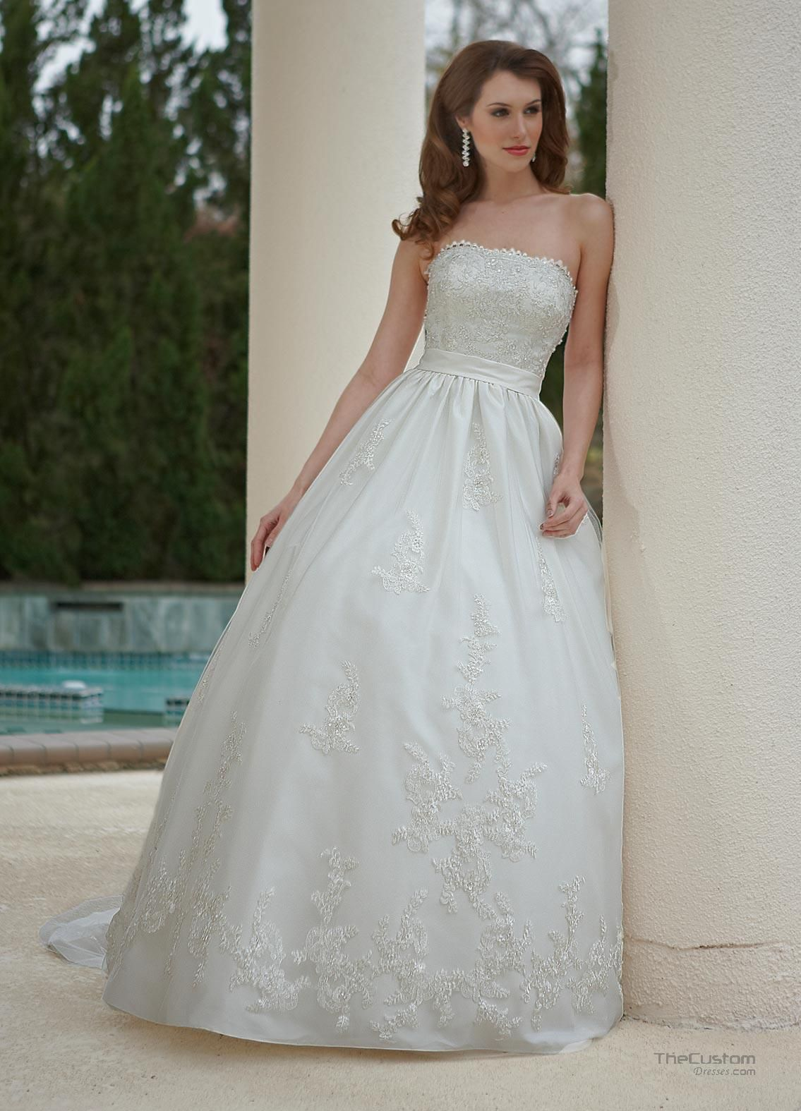 Ball Gown Strapless Court Taffeta Tulle Wedding Dresses