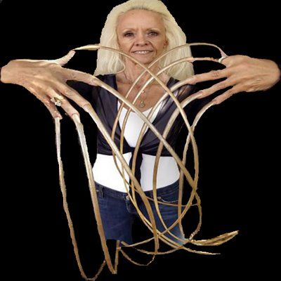 Longest Nails In The World Lee Is From Utah Lee