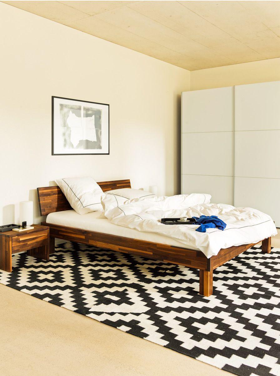 micasa schlafzimmer mit bett und nachttisch aus dem programm cara micasa schlafen pinterest. Black Bedroom Furniture Sets. Home Design Ideas