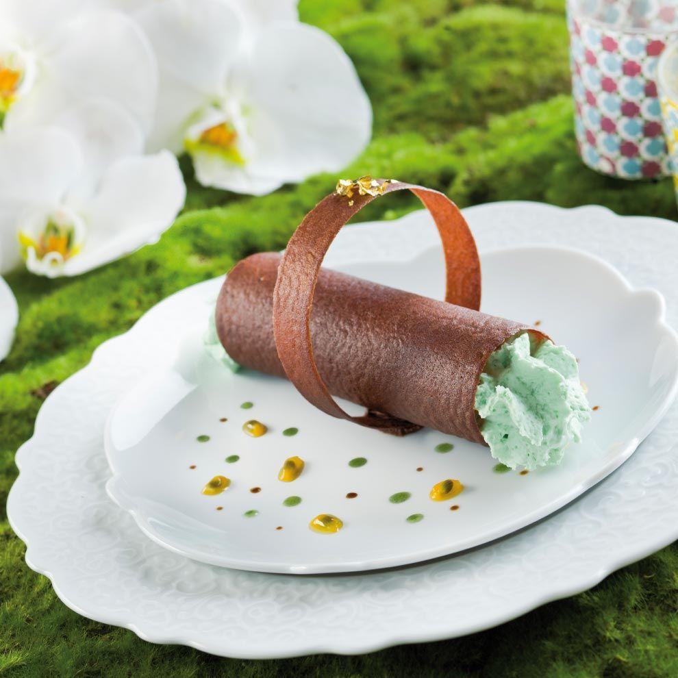 a gastronomie recettes desserts tube croustillant au chocolat espuma pistache fruits. Black Bedroom Furniture Sets. Home Design Ideas