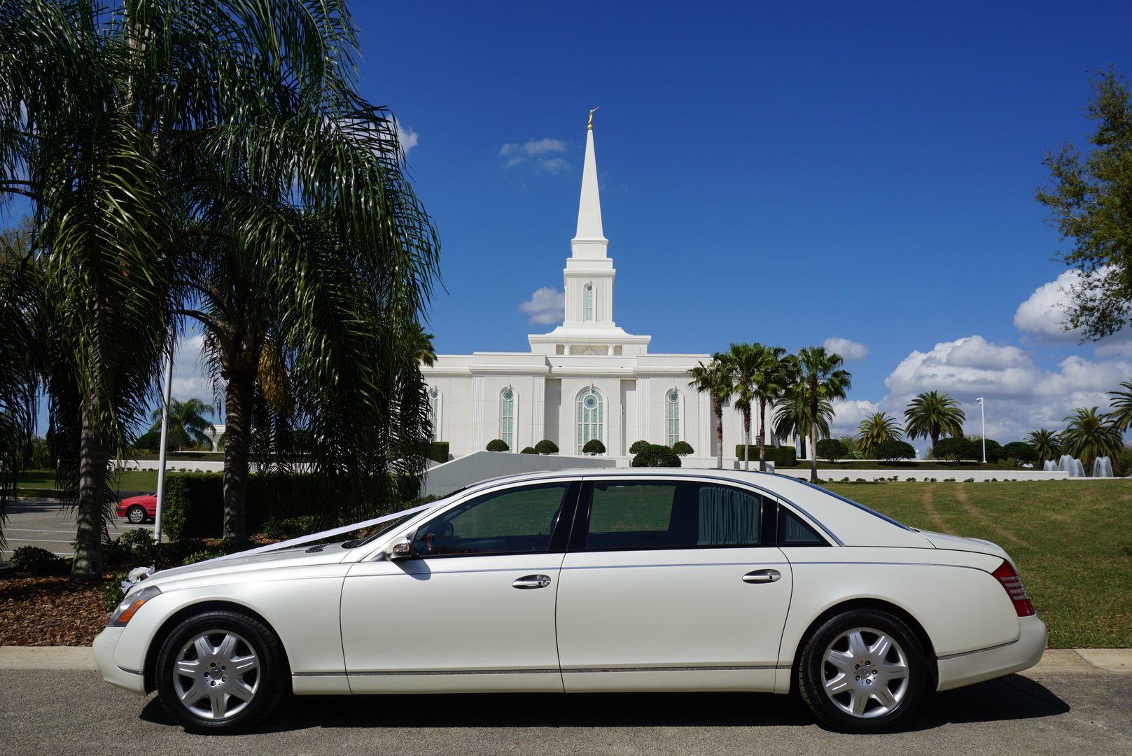 Arrive In A Rolls Royce Phantom On Your Wedding Day We Have The Finest Luxury Rolls Royce Limousine Rental Wedding Car