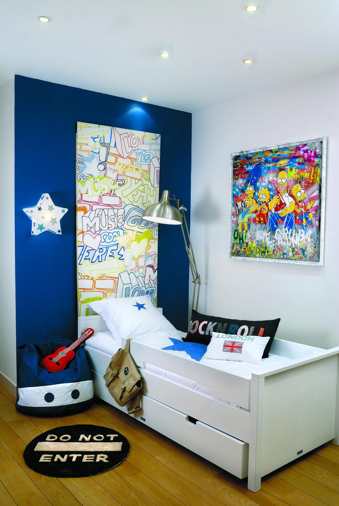 chambre gar on petit gar on d co gar on tag tableau. Black Bedroom Furniture Sets. Home Design Ideas