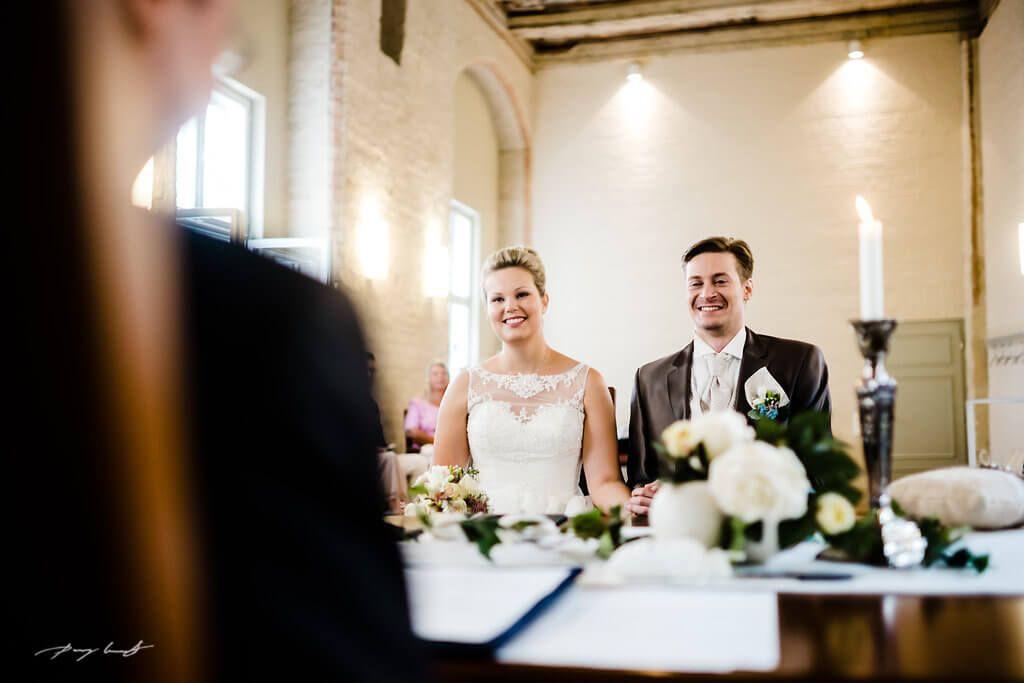 Standesamtliche Hochzeit Luneburg Standesamtliche Hochzeit Hochzeit Familienfotos Hochzeitsfoto Standesamt