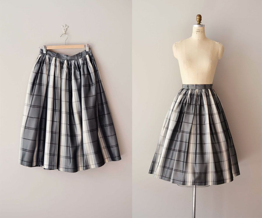 vintage 1950s skirt / circle skirt / A Midnight Clear skirt ($58.00)