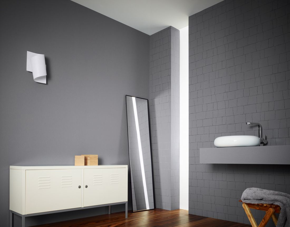 Die neue tapeten kollektion von dem designer daniel for Flieder grau wandfarbe