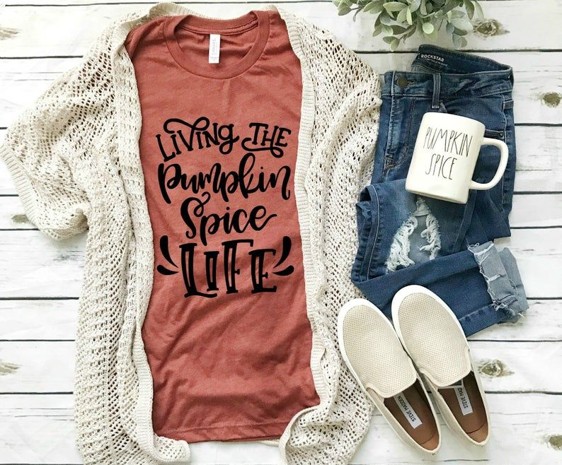 Living the Pumpkin Spice Life #pumpkinpatchoutfitwomen