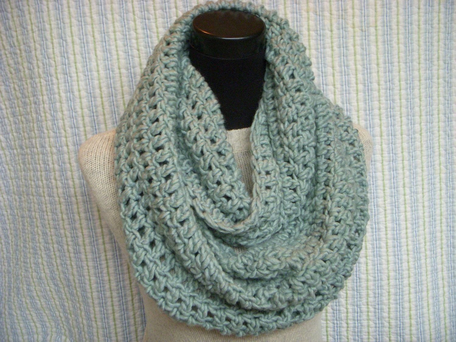 Seafom infinity scarf pale green crochet cowl aqua chunky neck seafom infinity scarf pale green crochet cowl aqua chunky neck warmer endless scarf bankloansurffo Image collections