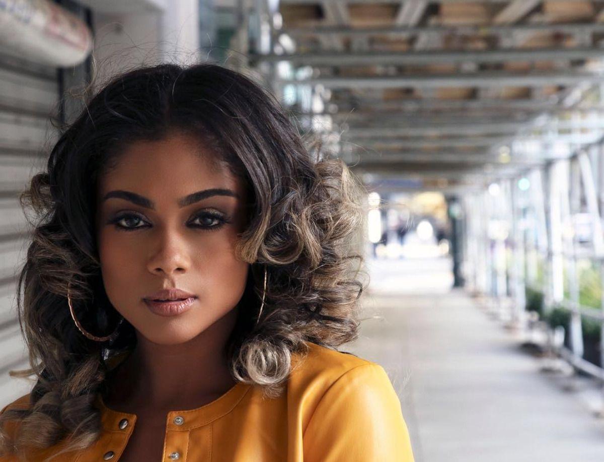 Model: @bwatt3000 Makeup: @deannaj_ Styling: @crimsonbeautysalonPh: @techniq... - #beautiful #blac...