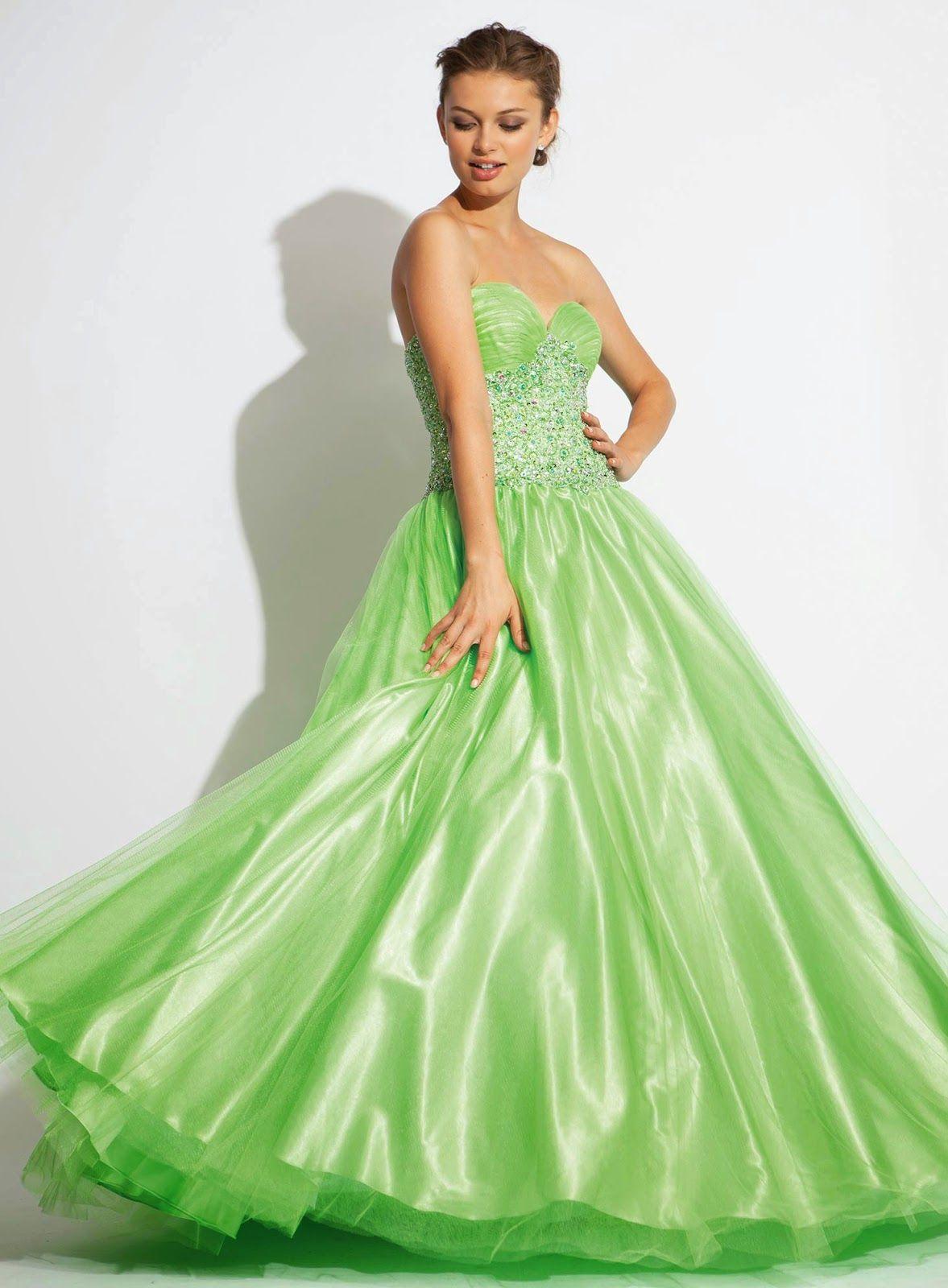 Grandiosos vestidos de graduación | Colección Jovani 2015