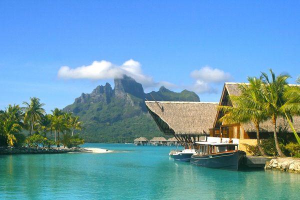 Four Seasons Resort Bora Bora)