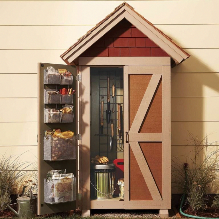 24 Outdoor Woodworking Projects To Do This Fall | The Family Handyman #WoodworkingPlansBed