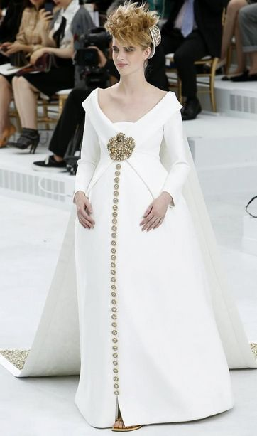 The royal egg! wedding gownat#Chanel Fall Winter 2014 Haute #Couture #Paris Fashion Week.#PFW #FW14