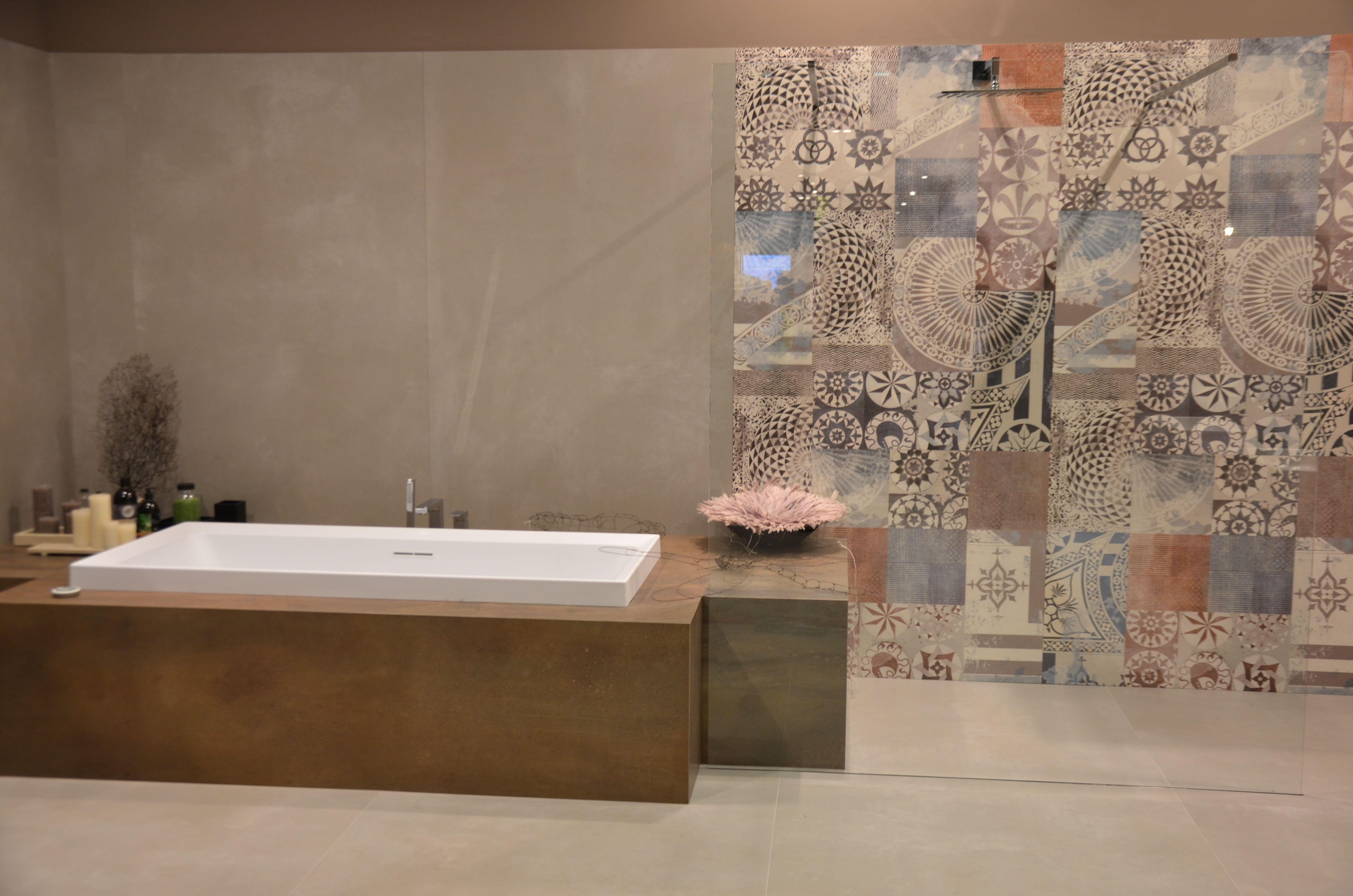 Fliesendekor Badezimmer ~ Sanfte steinoptik gemixt mit textilen strukturen messeneuheit